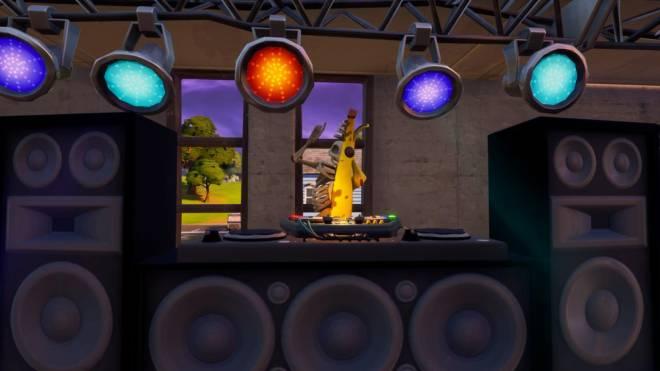 Fortnite: Battle Royale - ZomB-Nana: Peely Bone Showcase w/ Spacey! image 38