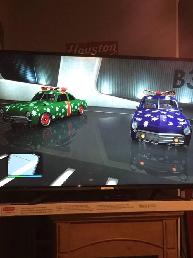 GTA: General - Christmas car  image 1