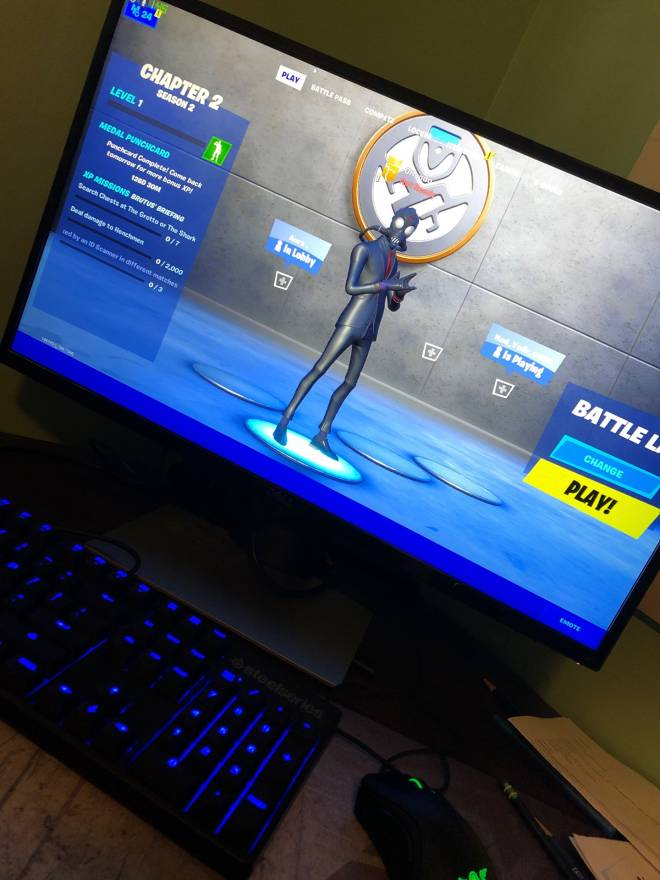 Fortnite: Looking for Group - just tryna have fun, no toxicity, NEW to keyboard and mouse but im a pretty good overall player image 3