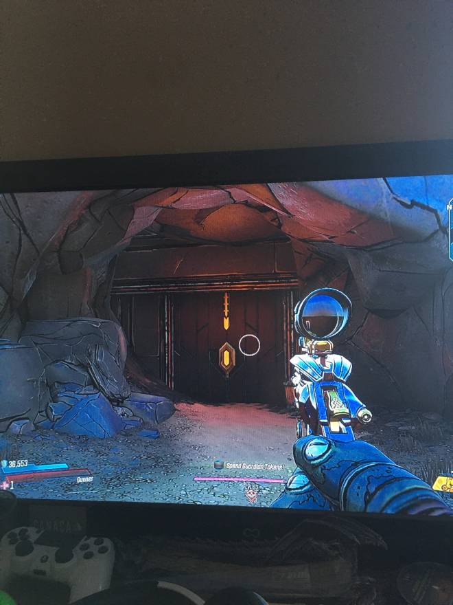Borderlands: Awesome Items - So here I am, minding my own business, when.... image 2