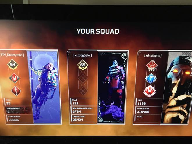 Apex Legends: General - First game on today! None of my friends are on right now so I hope I get good teammat-  image 1