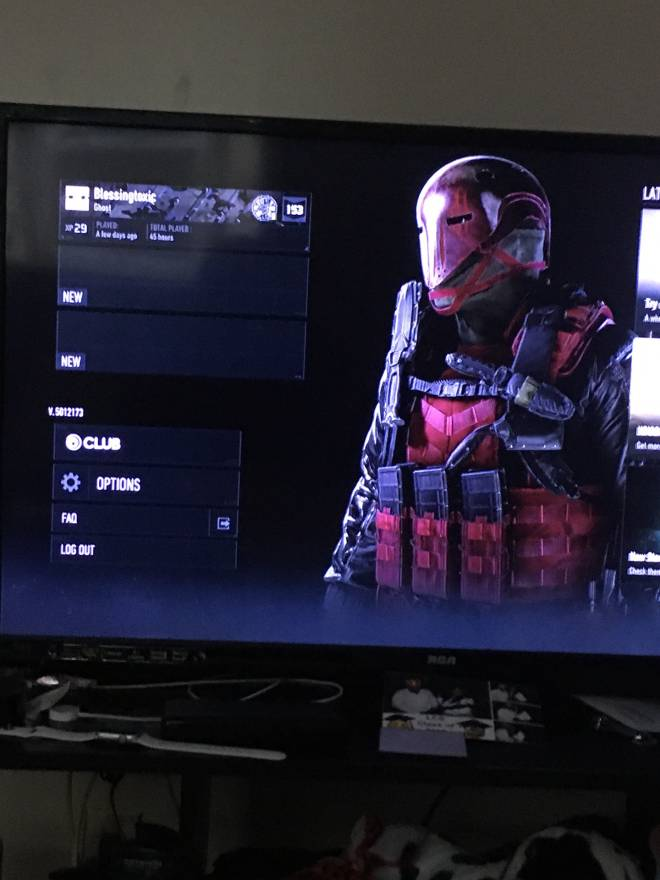 Ghost Recon: General - Can someone help me, I can't click on my character image 1