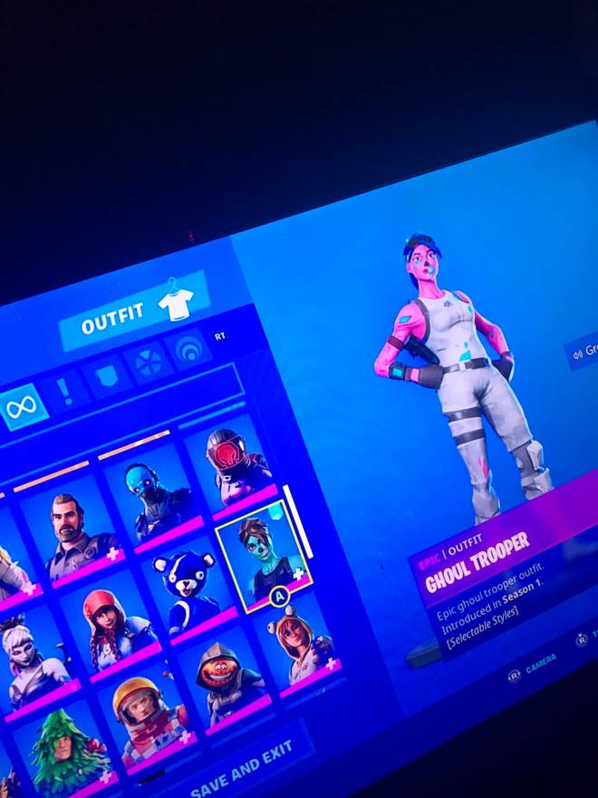 Fortnite: Looking for Group - Trading rare or galaxy account🌟✨ image 3