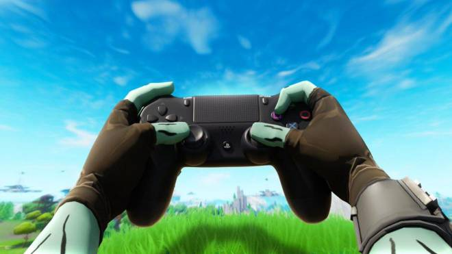 Fortnite: General - If you want to learn claw, he is doing a handcam on his channel live image 1