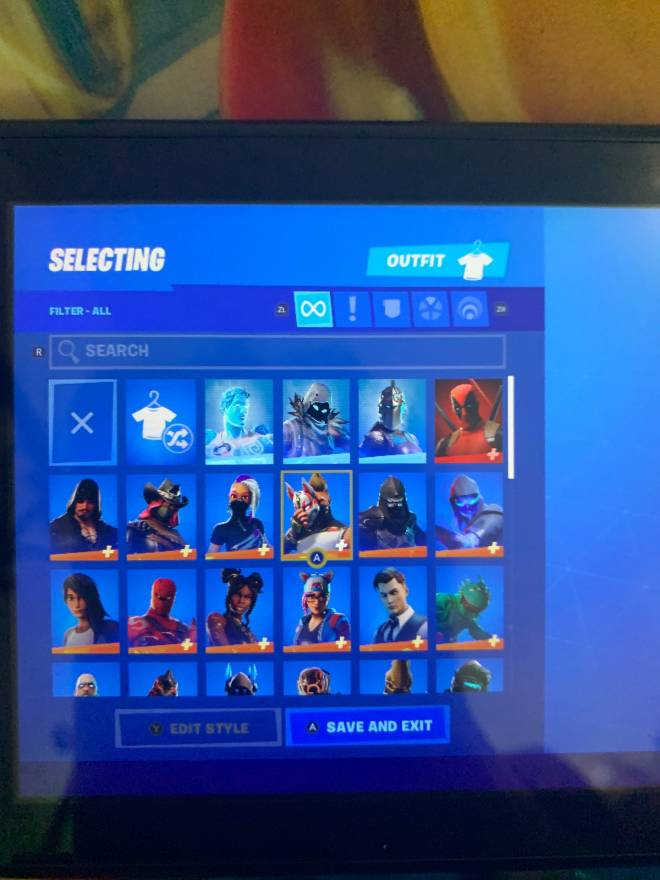 Fortnite: Looking for Group - Selling 3 fortnite accounts that have og skins for low price of $20 or $25 I only accept gift cards image 4