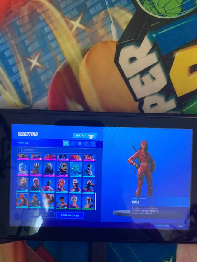 Fortnite: Looking for Group - Selling fortnite accounts for low prices it's cost $20 or 25 I can do either the accounts have grea image 4