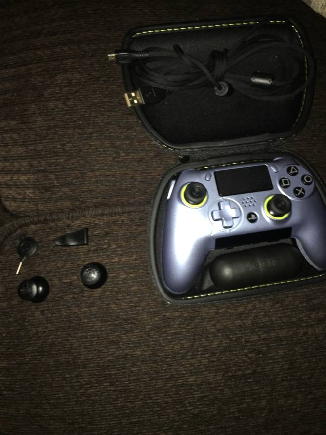 Moot: Questions & Suggestions - Want to sell scuf vantage 2 dm me serious inquires only and price negotiable  image 1