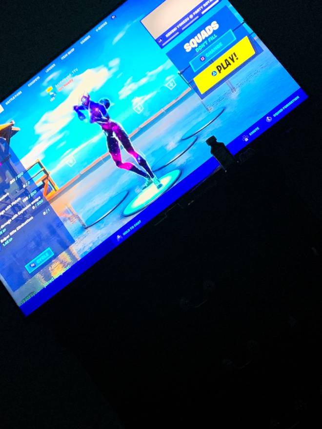 Fortnite: Looking for Group - I'm bored and wanna play. Can't sleep still image 3