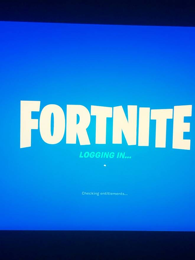 Fortnite: Looking for Group - Anyone wanna play creative or pubs or arena? image 3