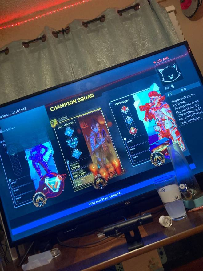 Apex Legends: Promotions - Come tune in!~Twitch~Maeden2857 image 1