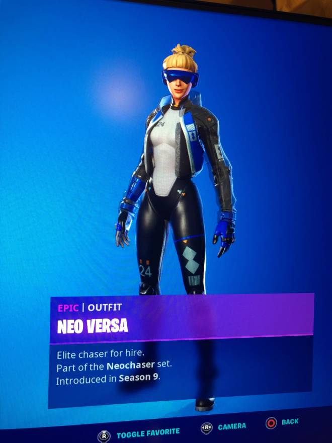 Fortnite: Promotions - I would be very grateful if you guys go drop a follow on my twitch: yt_smg0nconsole image 3