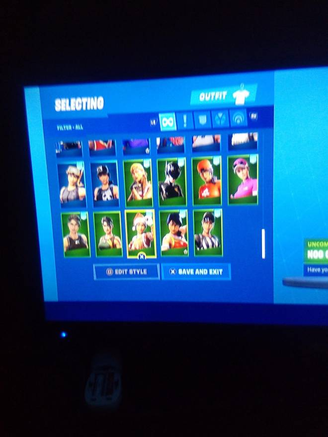 Fortnite: Looking for Group - Who wants my account for 25 PSN card image 8