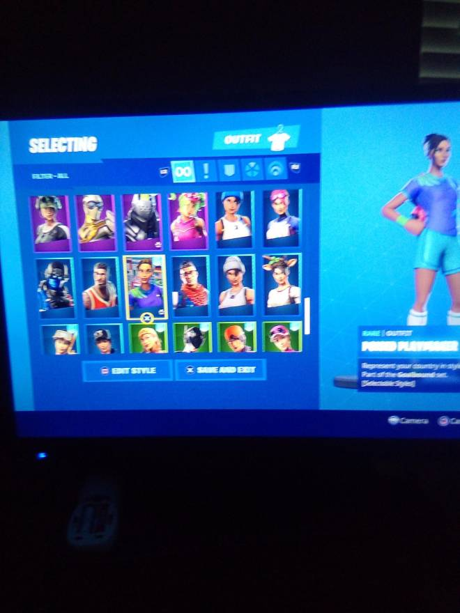 Fortnite: Looking for Group - Who wants my account for 25 PSN card image 7