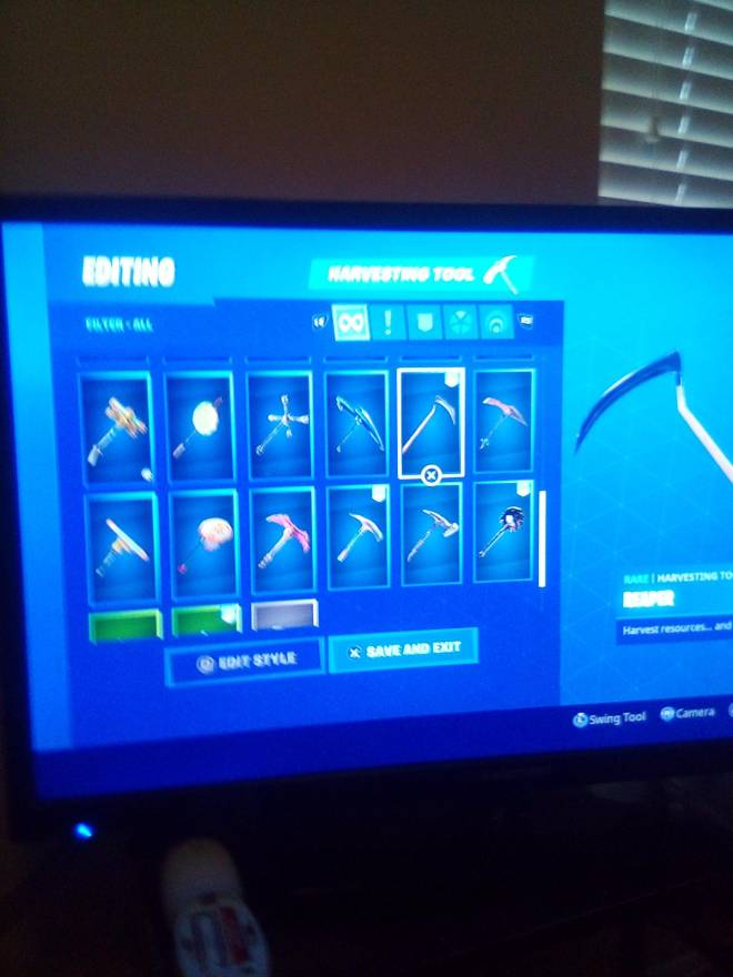 Fortnite: Looking for Group - Who wants my account for 25 PSN card image 11