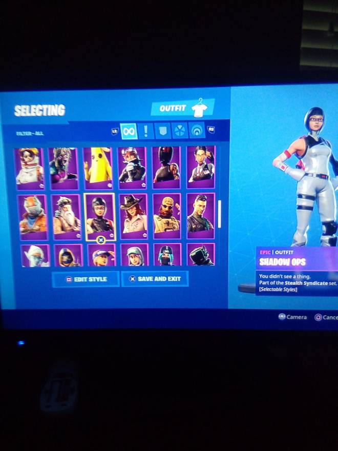 Fortnite: Looking for Group - Who wants my account for 25 PSN card image 6