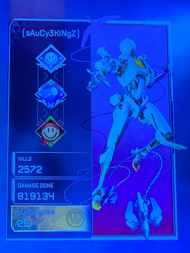 Apex Legends: Looking for Group - I'm gold 4 if y'all down for ranked , need a solid squad. image 3