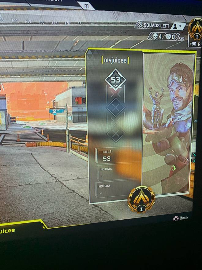 Q&A: Question - So two previous diamonds are boosting their friend😂this is why apex on console sucks  image 1