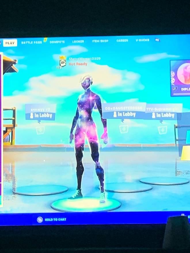 Fortnite: Battle Royale - Hm wen did I get dat  image 1