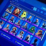 selling my fortnite account for a cheap price dm me for more info